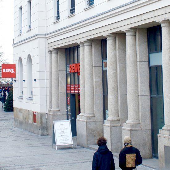 Hanf im Glück CBD Shop Außenansicht Hauptbahnhof München