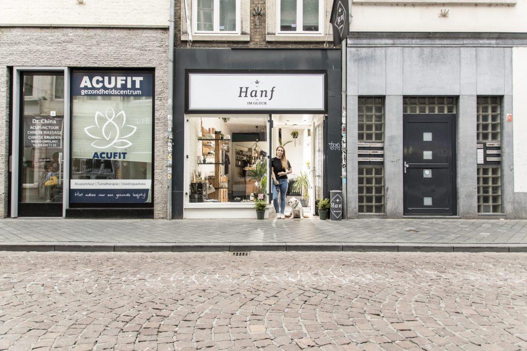 Hanf im Glück Maastricht Straße mit Inhaberin Mandy